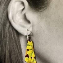 E. Vintage Tin Earrings Yellow Daisy Trapezoid