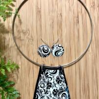 Vintage Tin Black & White Reversible Trapezoid Pendant Collar Set